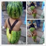 【中国】桃太郎ならぬ中国のスイカ太郎!スイカで作った夏用の子供服