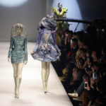 【中国の反応】モデルが陶俑に扮したファッションショーが開催される