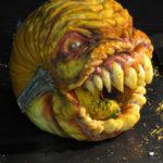 【芸術】リアル過ぎて引くぞこれは。かぼちゃを削って様々な顔を作るカービングアート