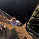 【閲覧注意】本能なのか、なぜなのか?高いところに登る人たち