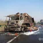 【中国】冷凍ダックを満載したトラックが炎上して北京ダックができてしまった